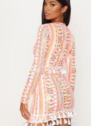 Яркое платье с кисточками в паетки2