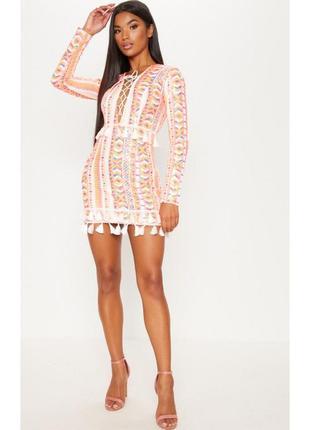 Яркое платье с кисточками в паетки3