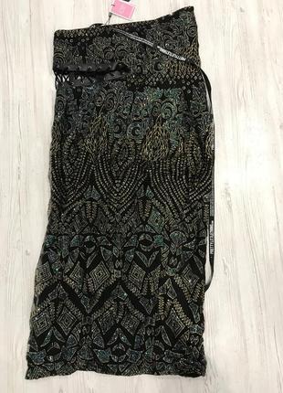 Ефектное платье миди со шнуровкой6