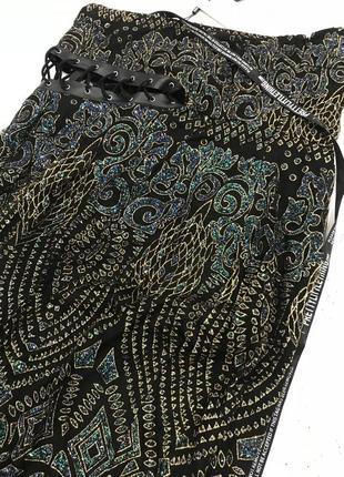 Ефектное платье миди со шнуровкой8