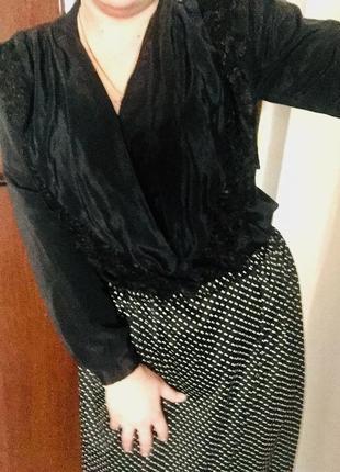 Крутая блуза с подплечниками тренд сезона