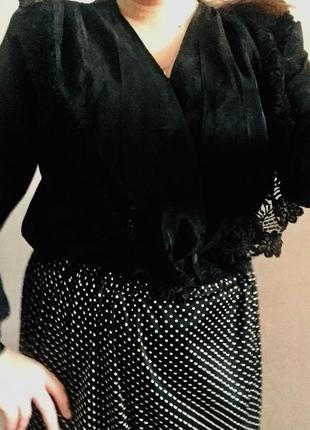 Крутая блуза с подплечниками тренд сезона7 фото