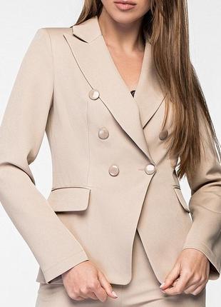 Женский двубортный приталеный бежевый жакет/пиджак (42, 44, 46/3 цвета)