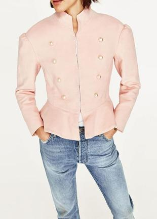 Zara розовый бархатный жемчужный пиджак размер s