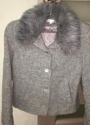 Пиджак/жакет с меховым воротником