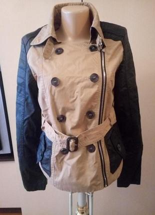 Шикарная курточка цвета хаки,весенняя с кож.рукавами