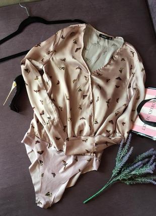 Актуальное боди -блузка bershka c запахом и в бабочки