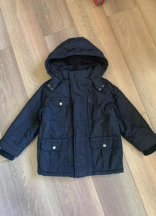 Курточка деми на 5-6 лет