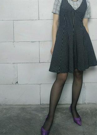 Платье без рукавов