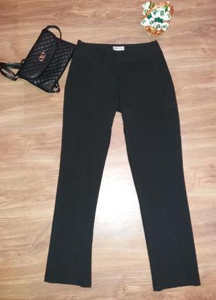 f77a67c604b Черные женские брюки Warehouse 2019 - купить недорого вещи в ...