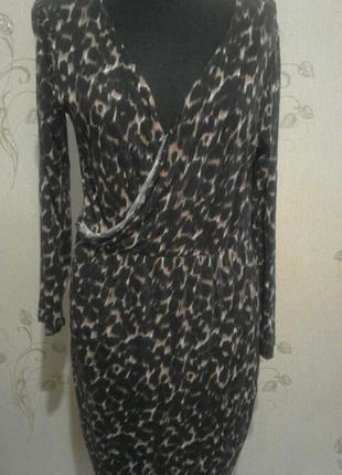 Трикотажное леопардовое платье