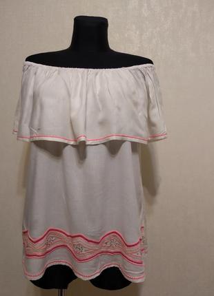 Блузка с открытыми плечами с вышивкой george