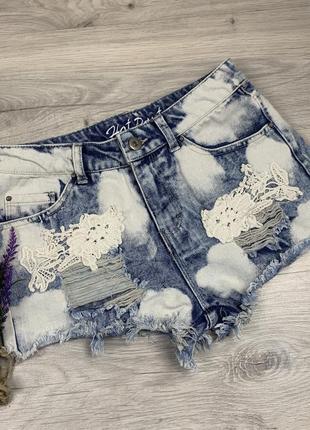 Крутые джинсы с вишивкой аппликацией 7