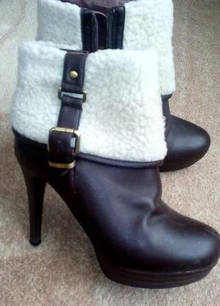 Осенние женские ботинки 37 размер