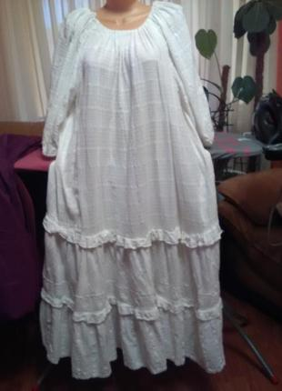 Брелое котоновое платье королевского размера