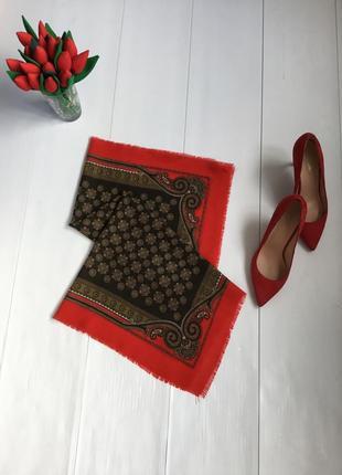 Шикарный шерстяной платок каре