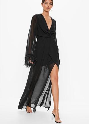 Роскошное вечернее платье с перями страуса