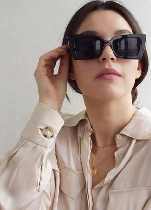 Стильные солнцезащитные очки квадратной прямоугольной формы