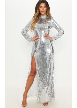Вечернее платье в серебряные паетки