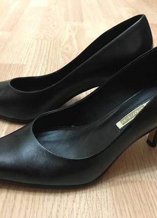 Туфли  модельные buffalo london р.38-38,5 ст.25см