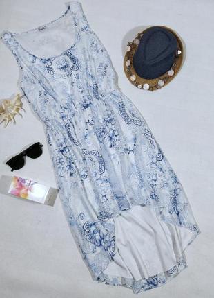 Платье нежно бело-голубое