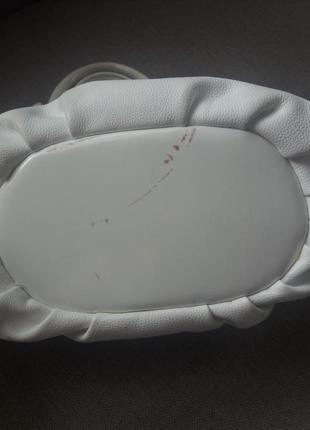Біла сумочка5 фото
