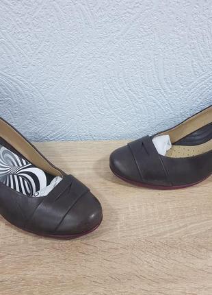 Оригинальные женские туфли ессо