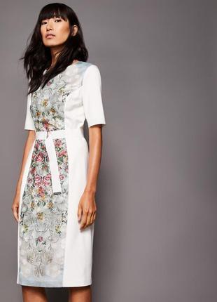 Стильное платье миди футляр со вставкой в цветы5 фото