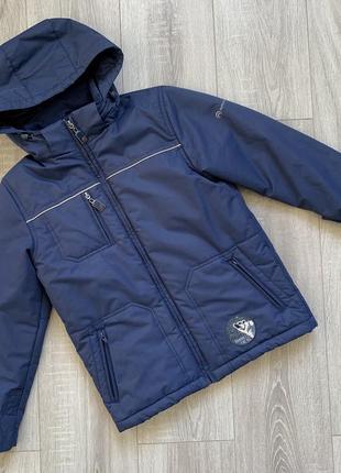 Демисезонная куртка на мальчика outventure.
