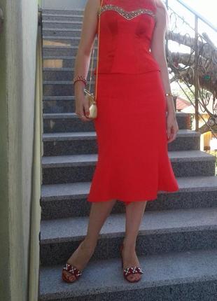 Шикарный красный костюм юбка и блуза ручной работы