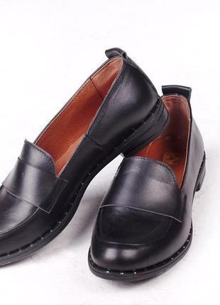 Кожа. стильные туфли, лоферы на низком ходу