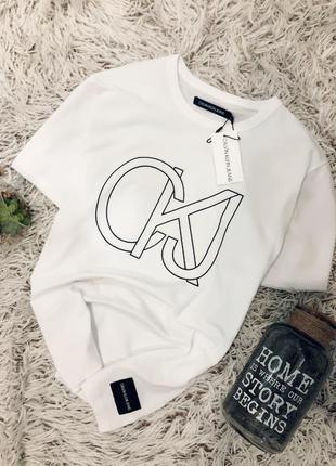 Крутая футболка calvin klein