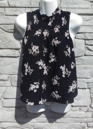 Красивая, стильная блуза черного цвета в цветочный принт