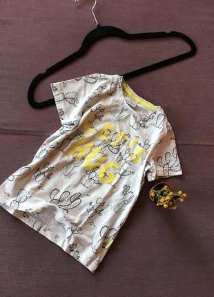 Класная футболка в кактусы , и с карманчиком на гуди lindex 4/5 годика