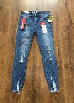 Рваные джинсы скини сша