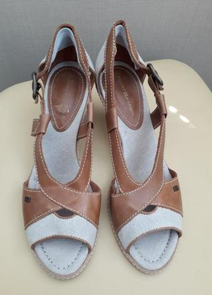 40 p. tommy hilfiger кожаные босоножки сандалии2 фото