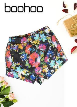 Шорты юбка с нахлестом в цветах boohoo
