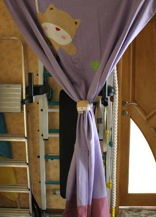 Шторы для детской комнаты с котиком ( фиолетовый цвет )2 фото