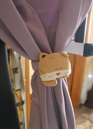 Шторы для детской комнаты с котиком ( фиолетовый цвет )