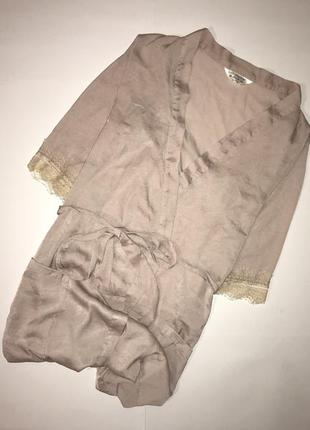 Шикарный нюдовый атласный халат на запах с кружевом secret possessions, p.s(36)