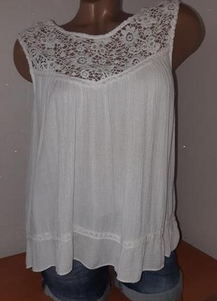 Укороченная расклешённая блуза с кружевным верхом из хлопка