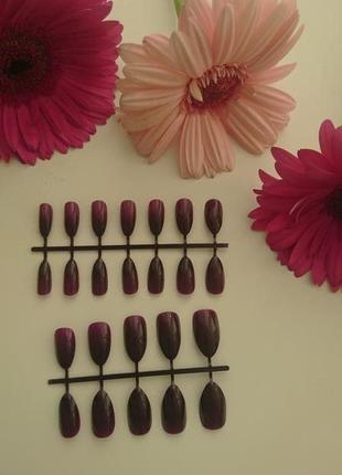 Набор накладных ногтей 24 шт бордово-сливового цвета