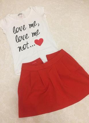 Красная короткая пышная юбка колокольчик
