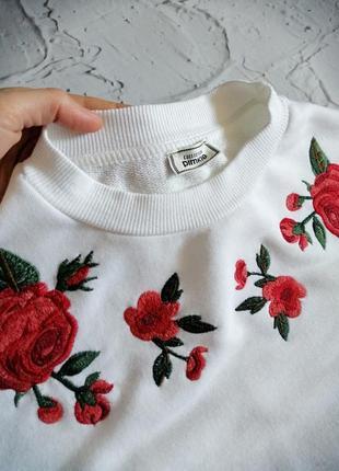 Красивый белый свитшот с вышивкой pimkie s/m3 фото