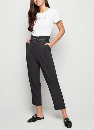 Крутые черные брюки с высокой посадкой new look     zara