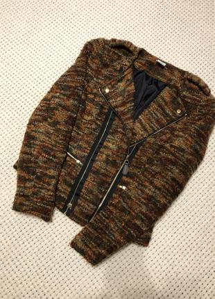 Оригинальная трикотажная куртка