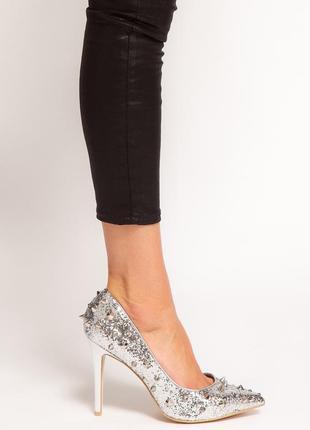 Неимоверные серебряные туфли с шипами от kurt geiger р.41