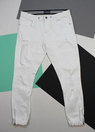 Крутейшие зауженные джинсы с рваностями и манжетами от zara man