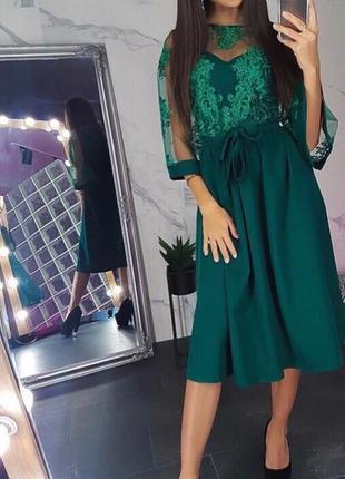 Нарядное платье з гипюром
