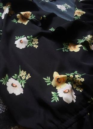 Легкое цветочное платье с рюшами5 фото